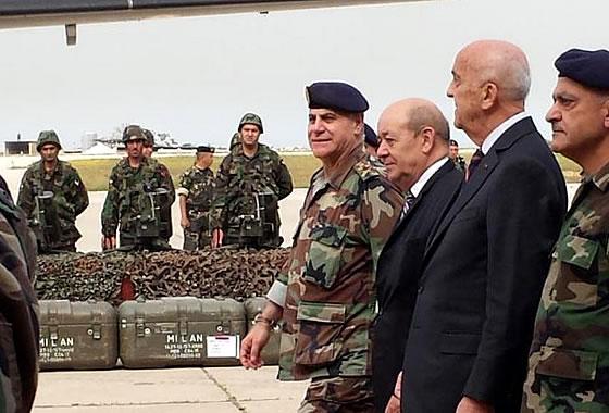 Франция начала поставки военной техники Ливану